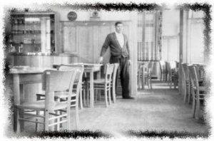 Richard Lippert in der Gaststube
